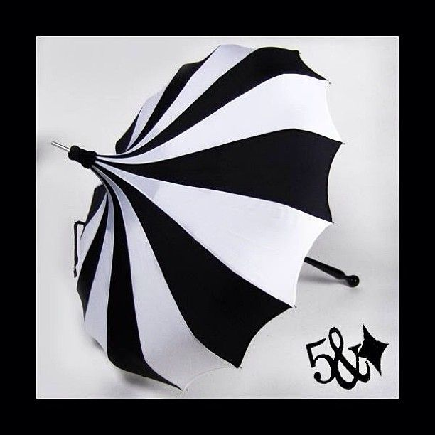 Rainy days call for cover with style! #pagoda (at www.fiveanddiamond.com)