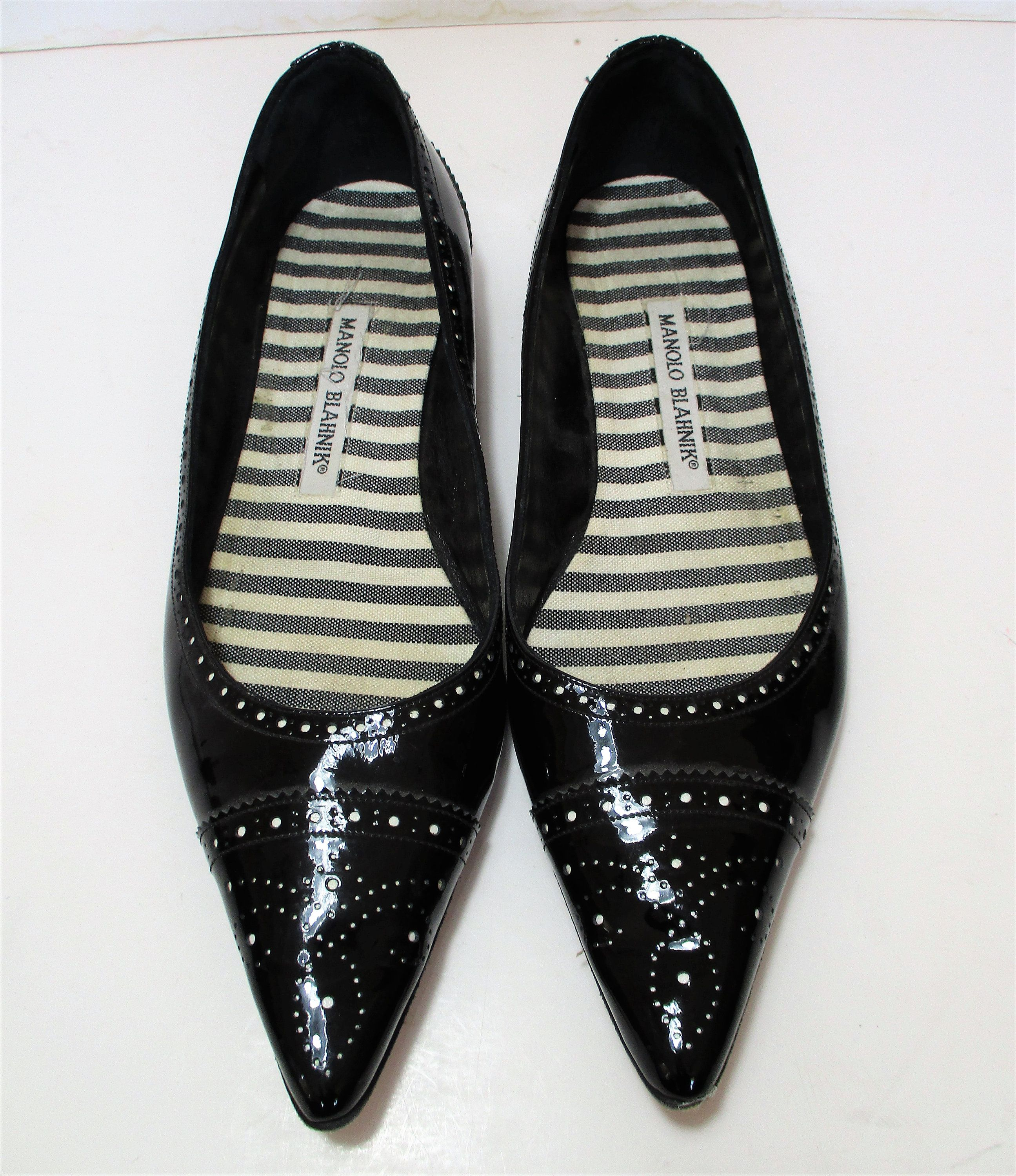 Pointed toe shoes, Womens black flats