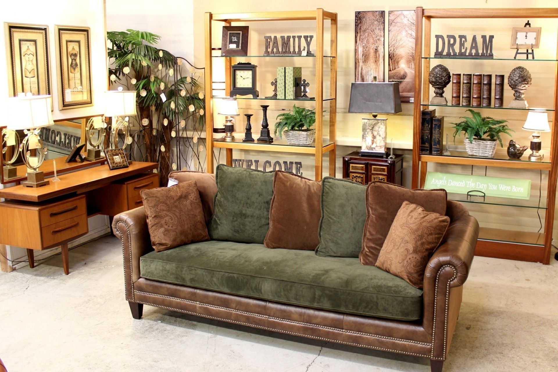 Upscale Consignment | Upscale Used Furniture & Decor in ...