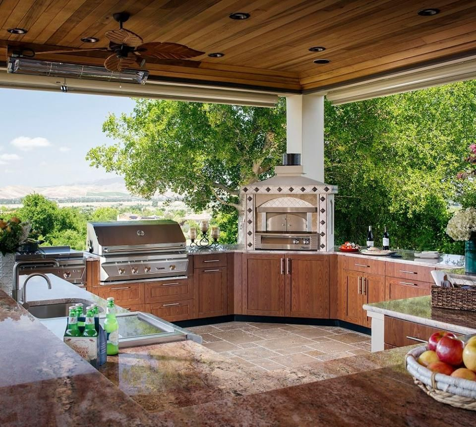 Stylish And Functional Space During Those Months When You Want To Move The Heart Of Your Home Outside Kn Outdoor Kitchen Design Outdoor Kitchen Outdoor Living