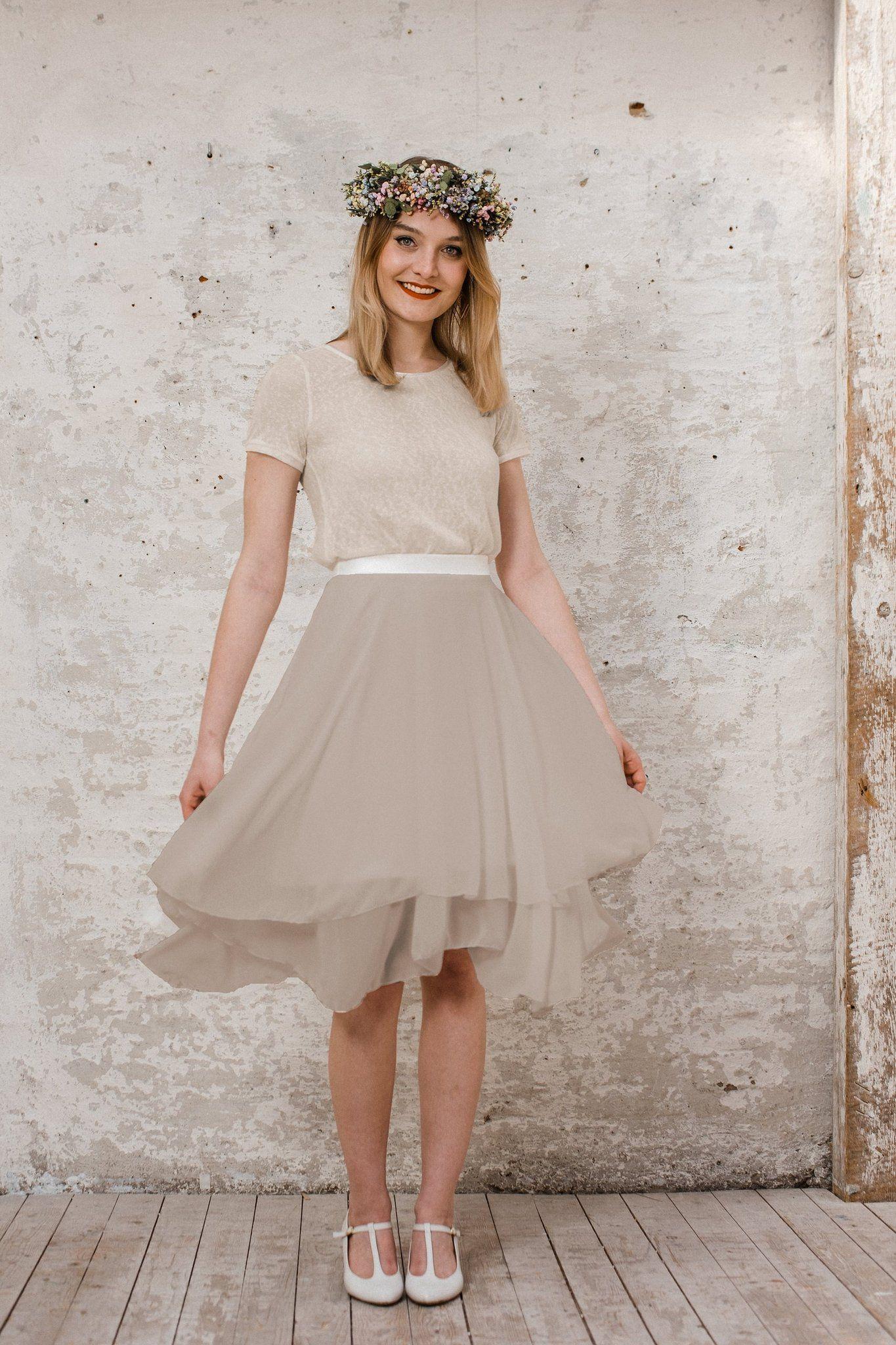 Kleider für die Trauzeugin und Braut: Die Sommerkollektion von