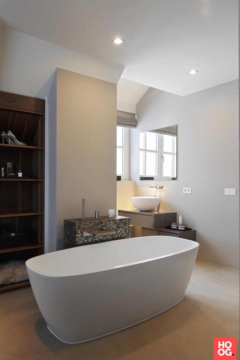 Badkamer inspiratie met moderne badkuip | badkamer ideeen | design ...