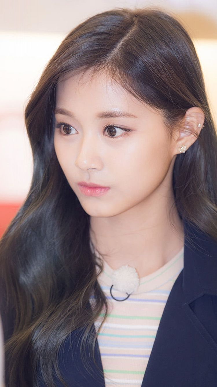 hp74girltzuyukpoptwiceasiancelerity Tzuyu