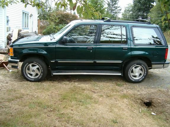 1992 Ford Explorer Dark Green 4x4 Running Boards Ford Explorer Ford Pretty Cars