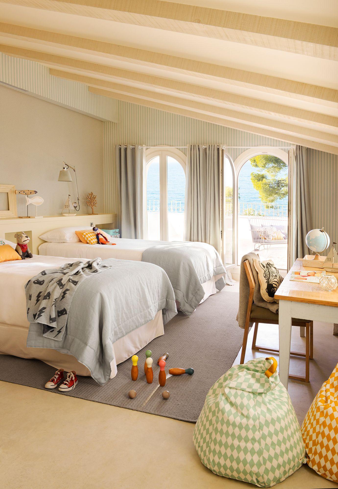 En el campo rooms dormitorios ni os habitaci n con - Habitaciones con tres camas ...