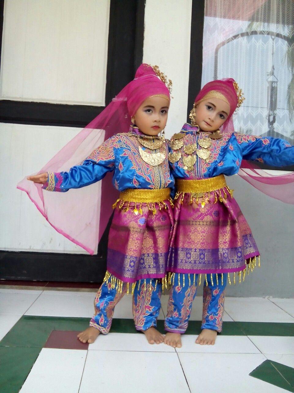 Gambar Pakaian Adat Anak