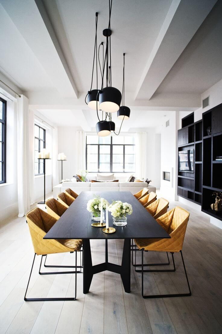 Magnifique salle à manger à la décoration industrielle, extrêmement chic !  Beautiful industrial and modern dining room, so well put together. So chic !