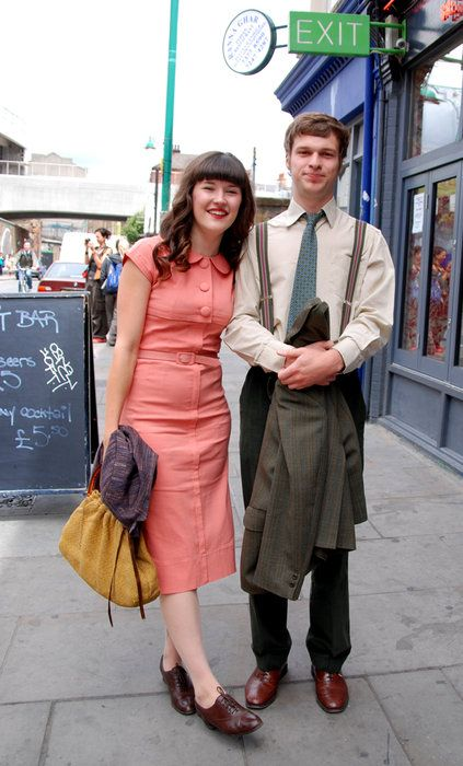 Great Vintage Street Style Couple Vintage Fashion Vintage Street Fashion Forties Fashion Vintage Fashion