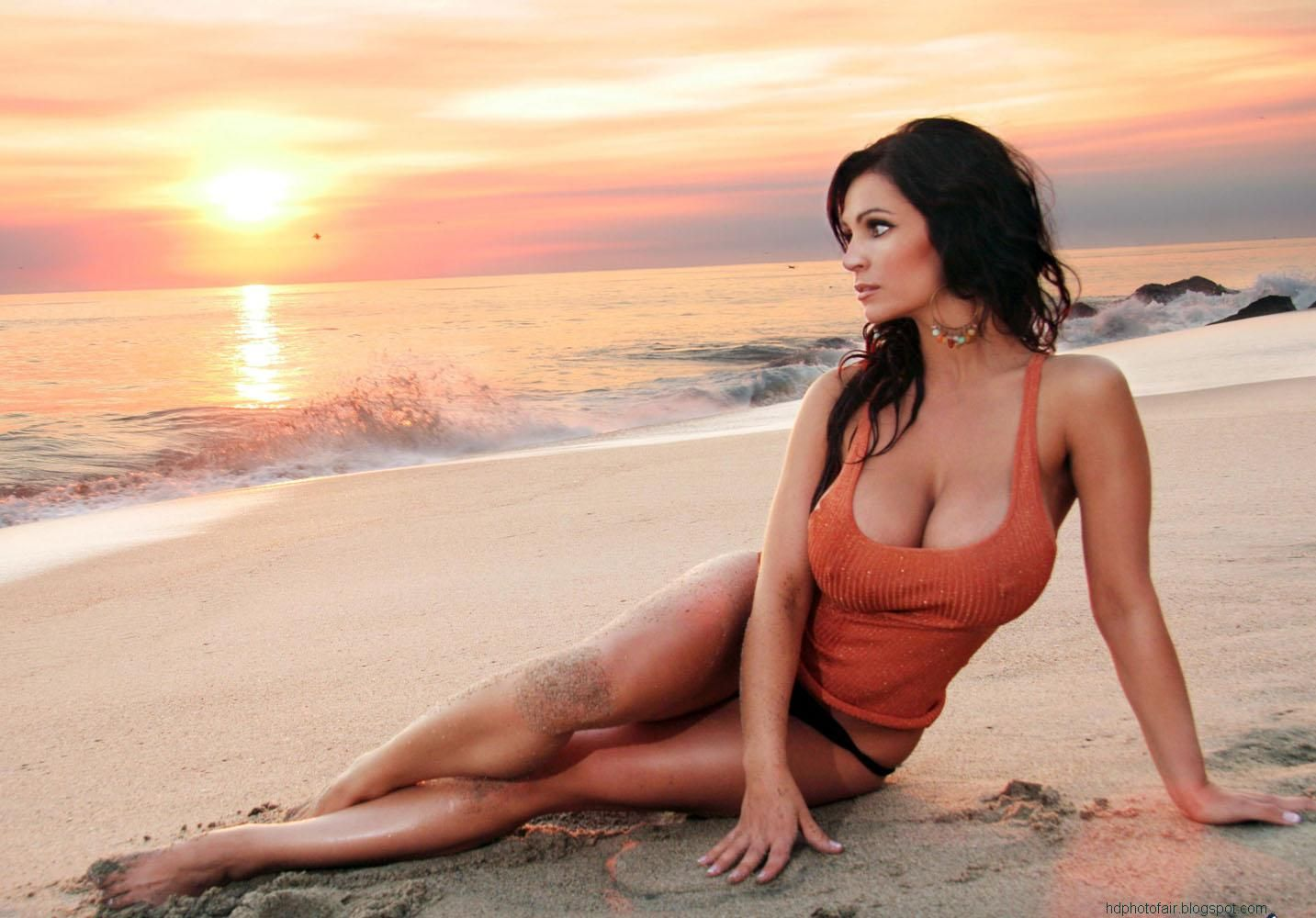 Miss bikini world denise milani