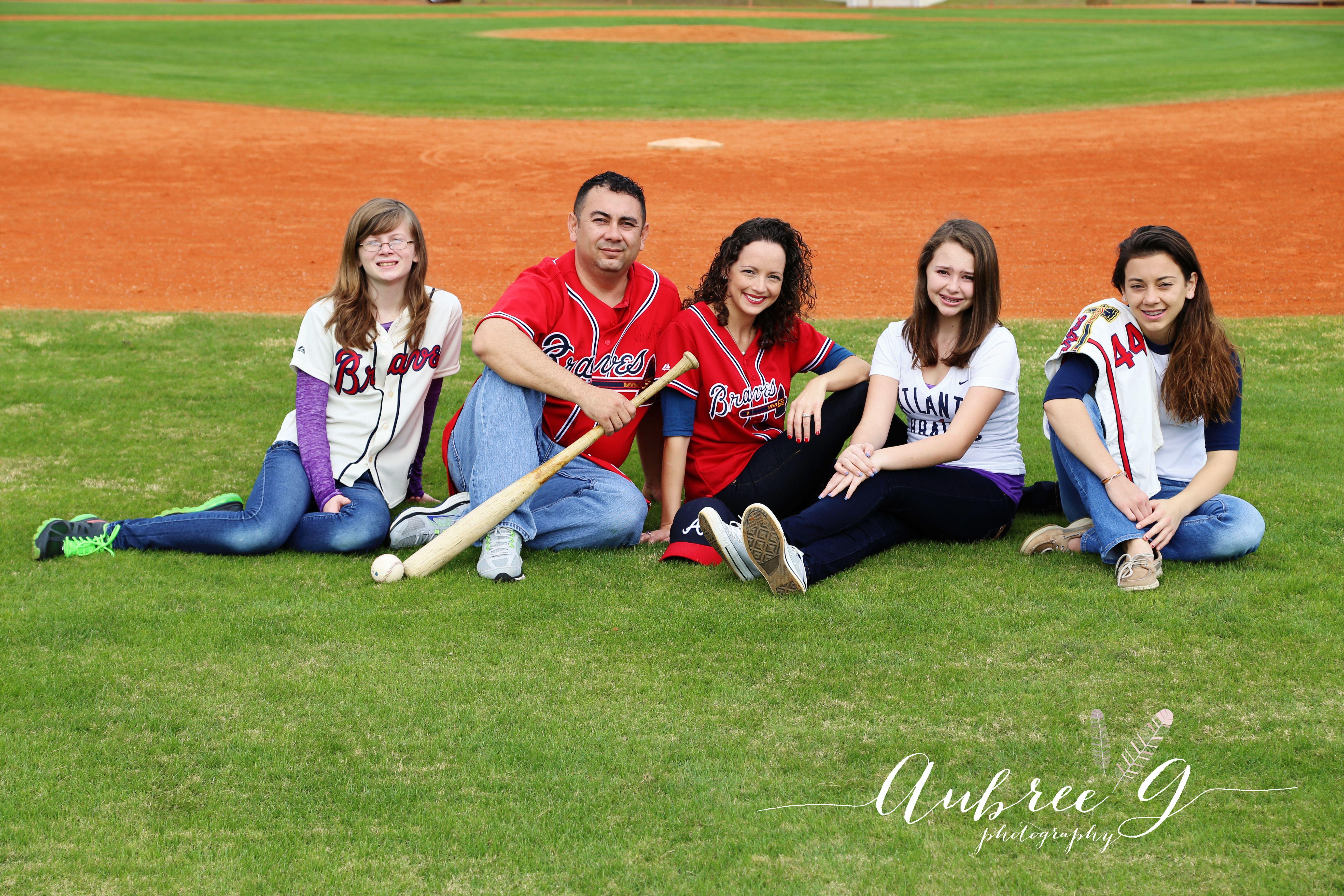 Family Baseball Aubreegphotography Com Baseball Family Baseball Pictures Family Christmas Pictures