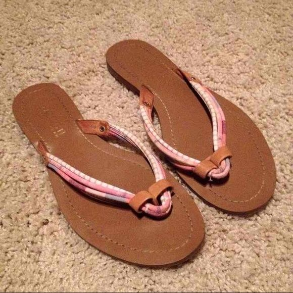 Ralph Lauren Leather Sandals 7.5 Brand: Lauren Ralph Lauren Size: 7.5  Given to me as a gift, however they are not my correct size so they were only worn once. Like new. Ralph Lauren Shoes Sandals