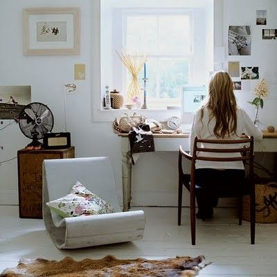 white floors and rustic touches = beautiful
