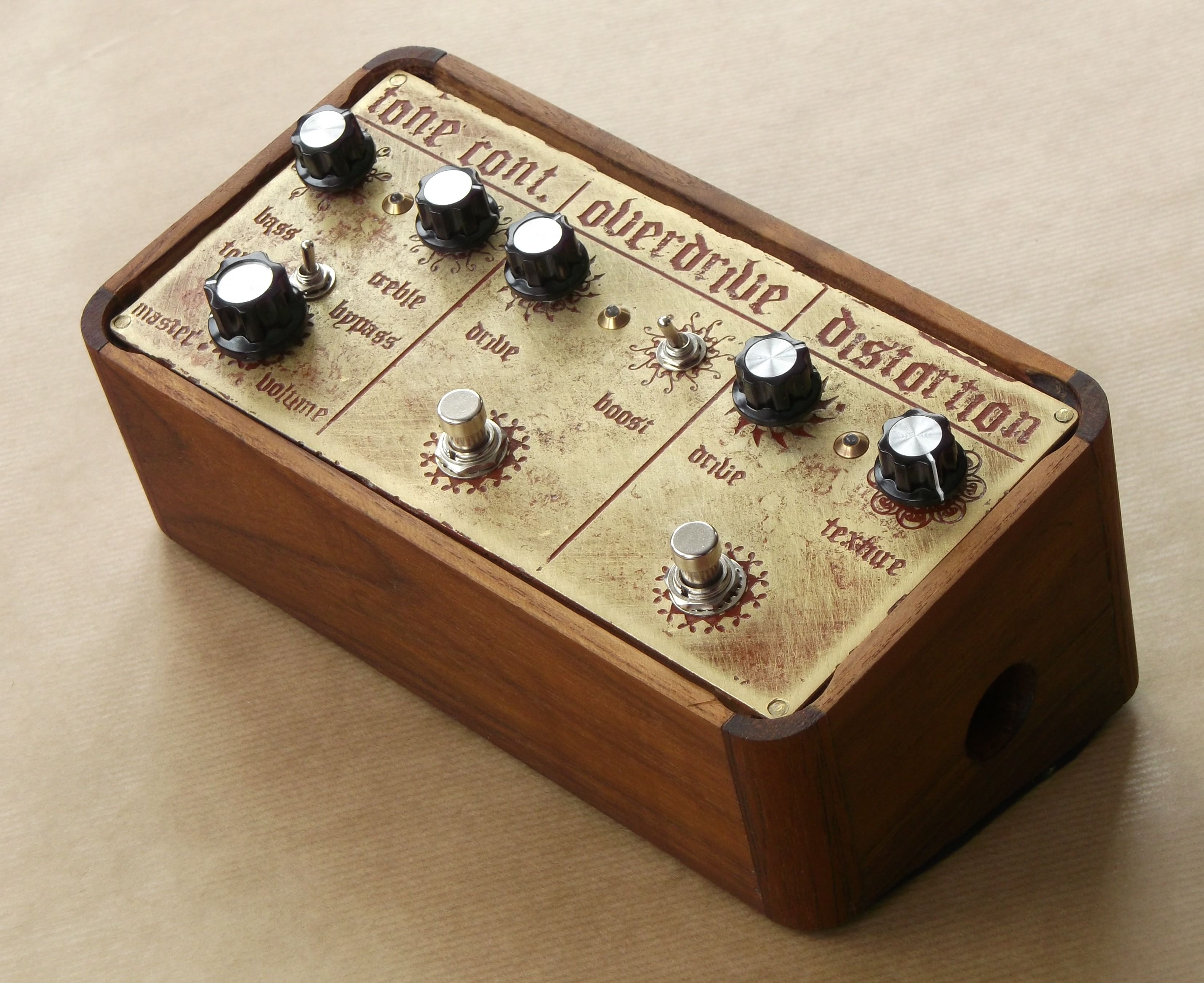 Feeling steampunk-y? Put that DIY boutique guitar pedal in your
