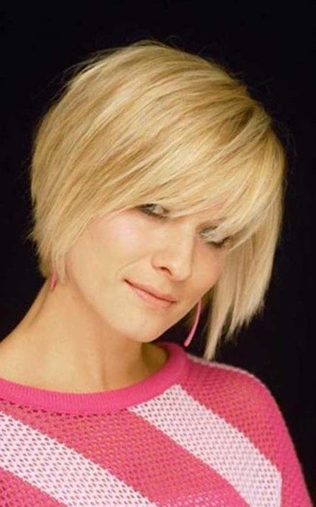 short blonde pixie cut with bangs