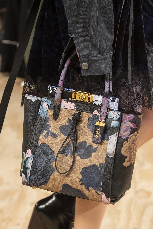 ceb526b2be5f Dalle sfilate arriva l'identikit delle borse di tendenza della moda ...