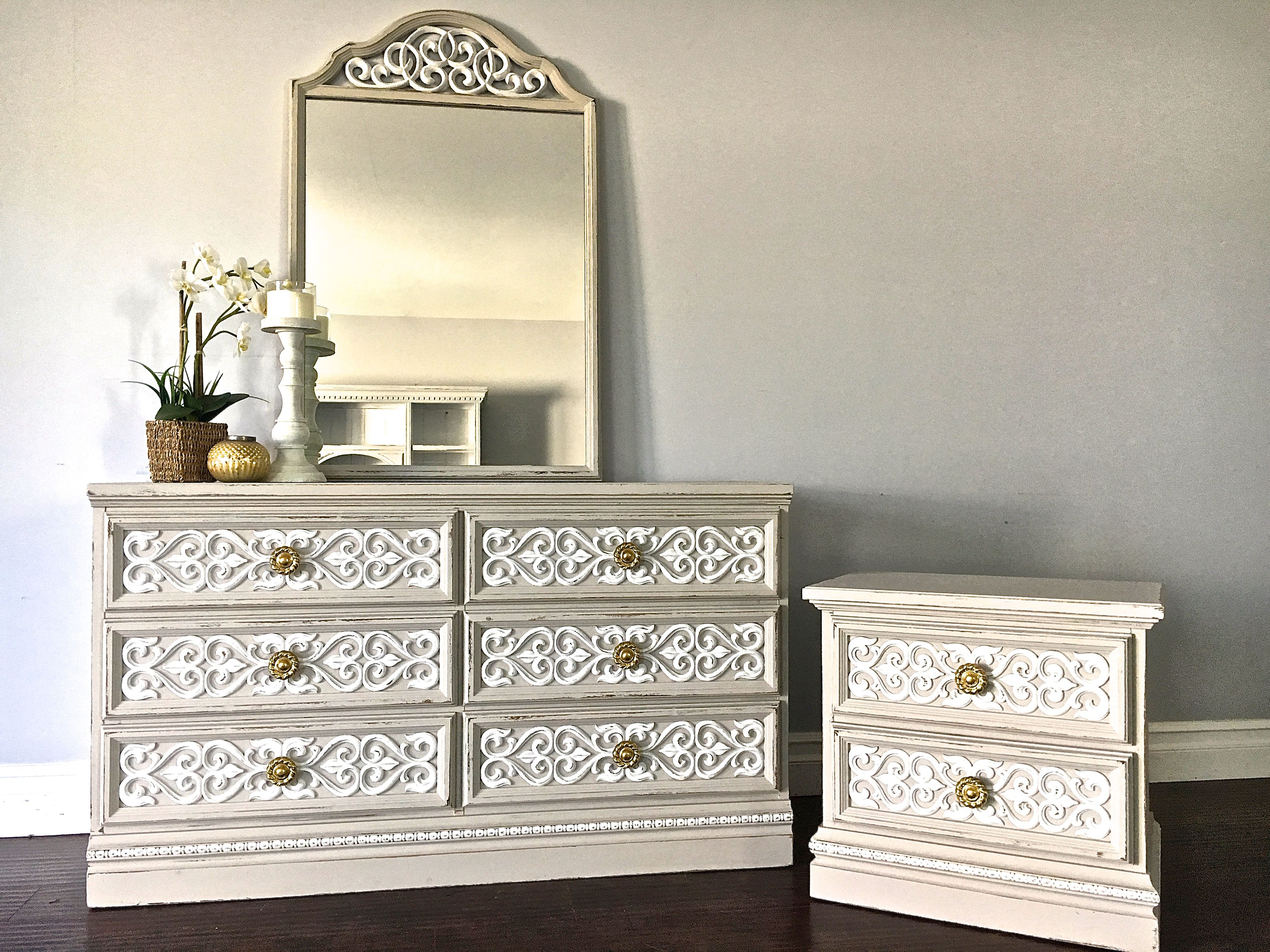 Cream White Gold Dresser Set 500 Sold White And Gold