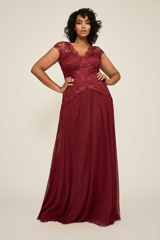 8a0f93e3a8c4e43 Платье в пол для полной женщины. Платье цвета burgundy. Коллекция Tadashi  Shoji