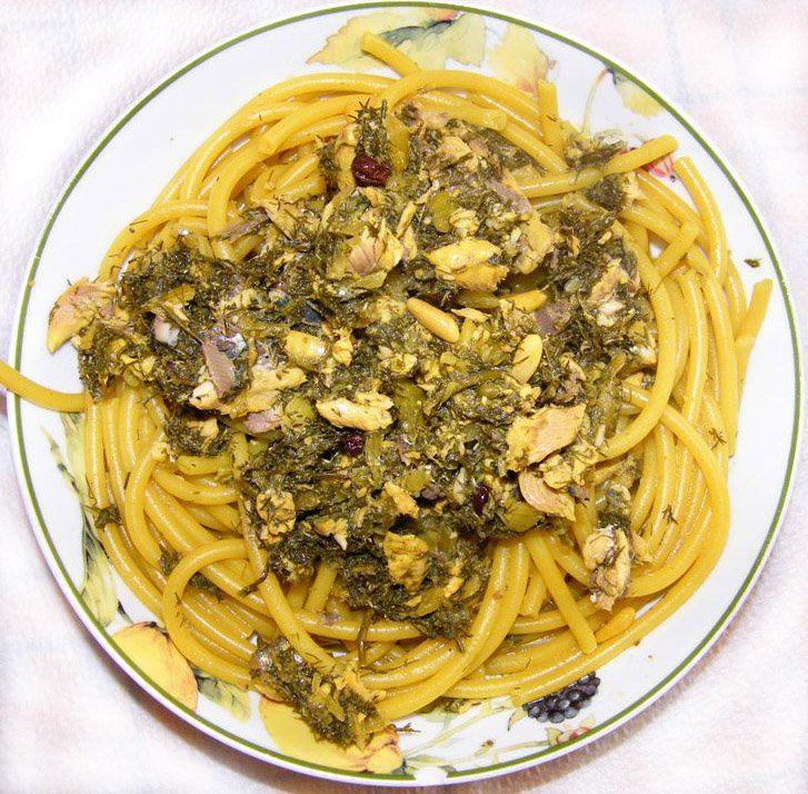 Pasta con le sarde   http://agavepalermo.wordpress.com/2009/03/17/san-giuseppe-e-a-%E2%80%9Cpasta-chi-sardi%E2%80%9D/