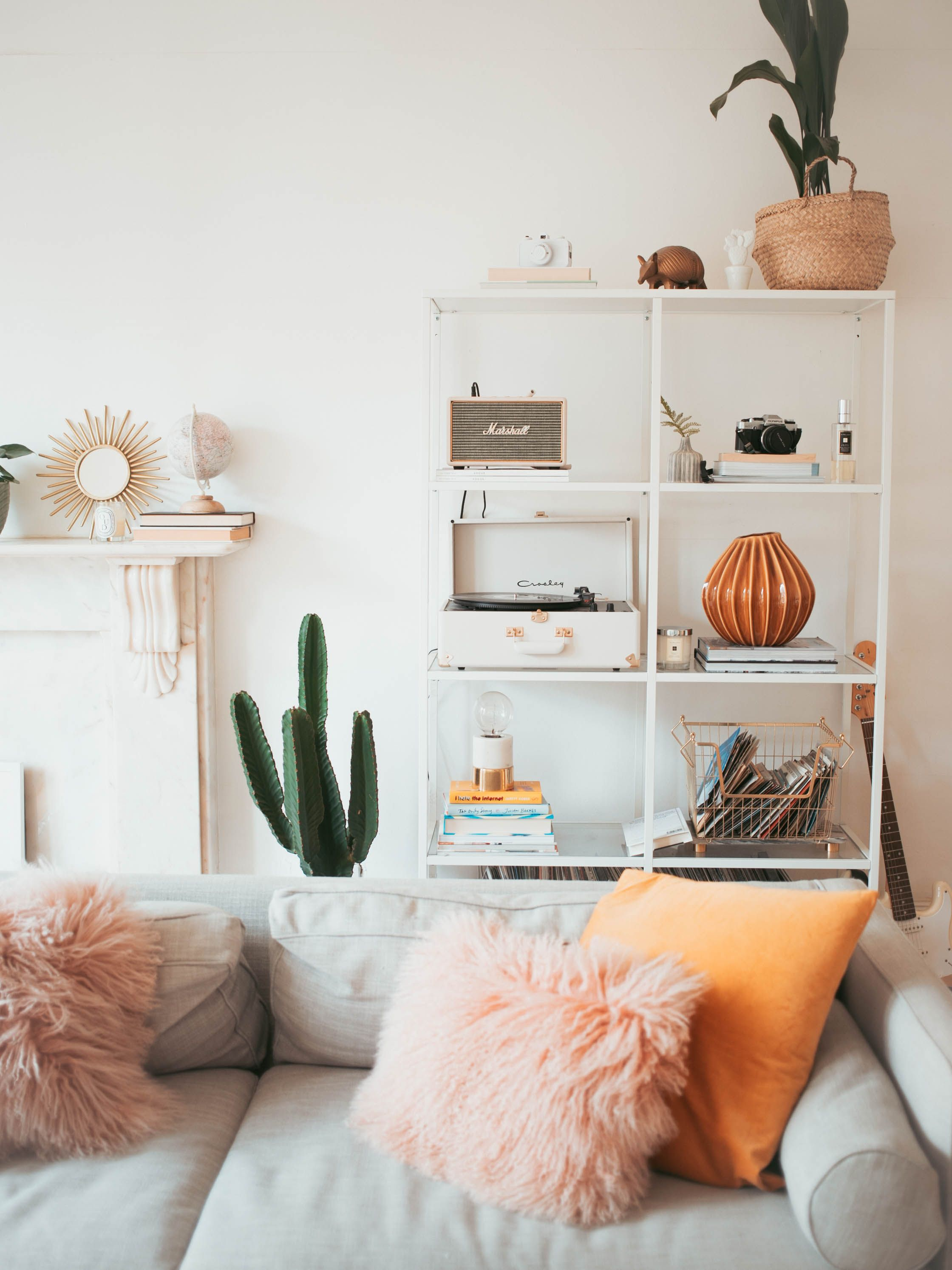 Home decor inspiration our colourful kate la vie also pinterest house colors and rh