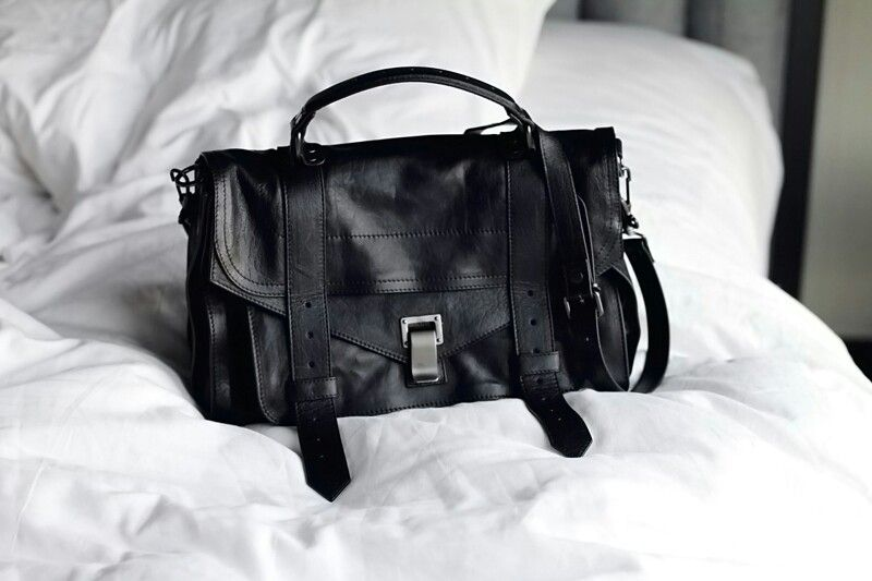 Black proenza shoulder