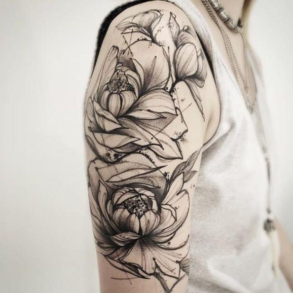 Modern art inspired tattoo by juan carlos mendoza for Minimal art tattoo