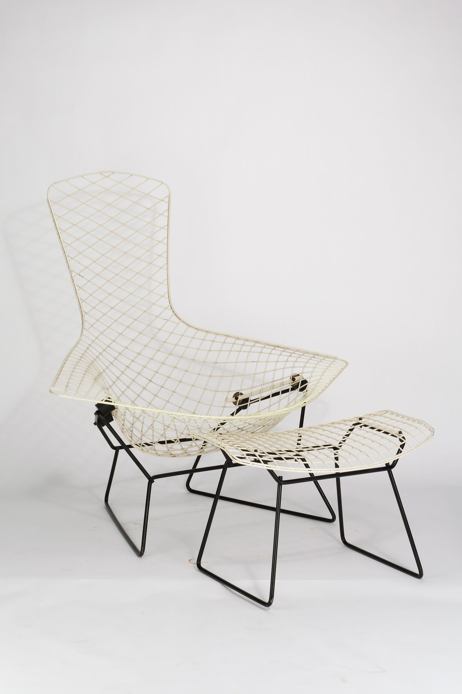 Harry bertoia bird chair modell nr 423 lu 1950 1952 for Stuhl designgeschichte