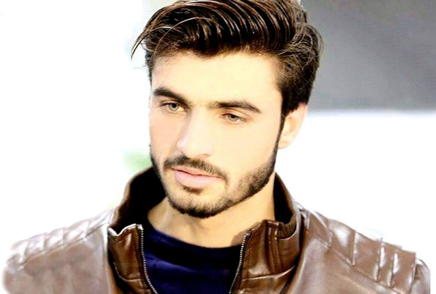 Arshad Khan Quickly Gained Popularity Due To His Good Looks Deep Blue Eyes Tall Height Bright Skin And Medium Height Bright Skin Deep Blue Blue Eyes