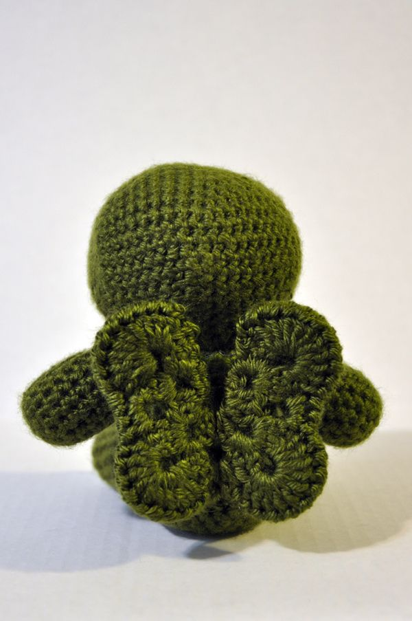 She Crocheted a Cthulhu Amigurumi With Cute Wings | Amigurumis ...