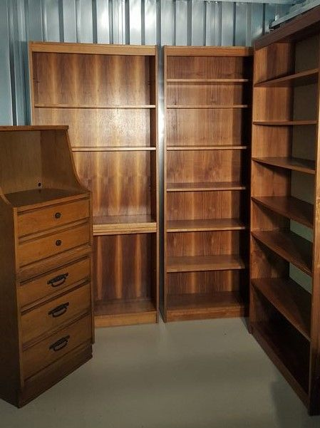 Custom Bookcases With Adjustable Shelves And Vintage Dresser/bookcase