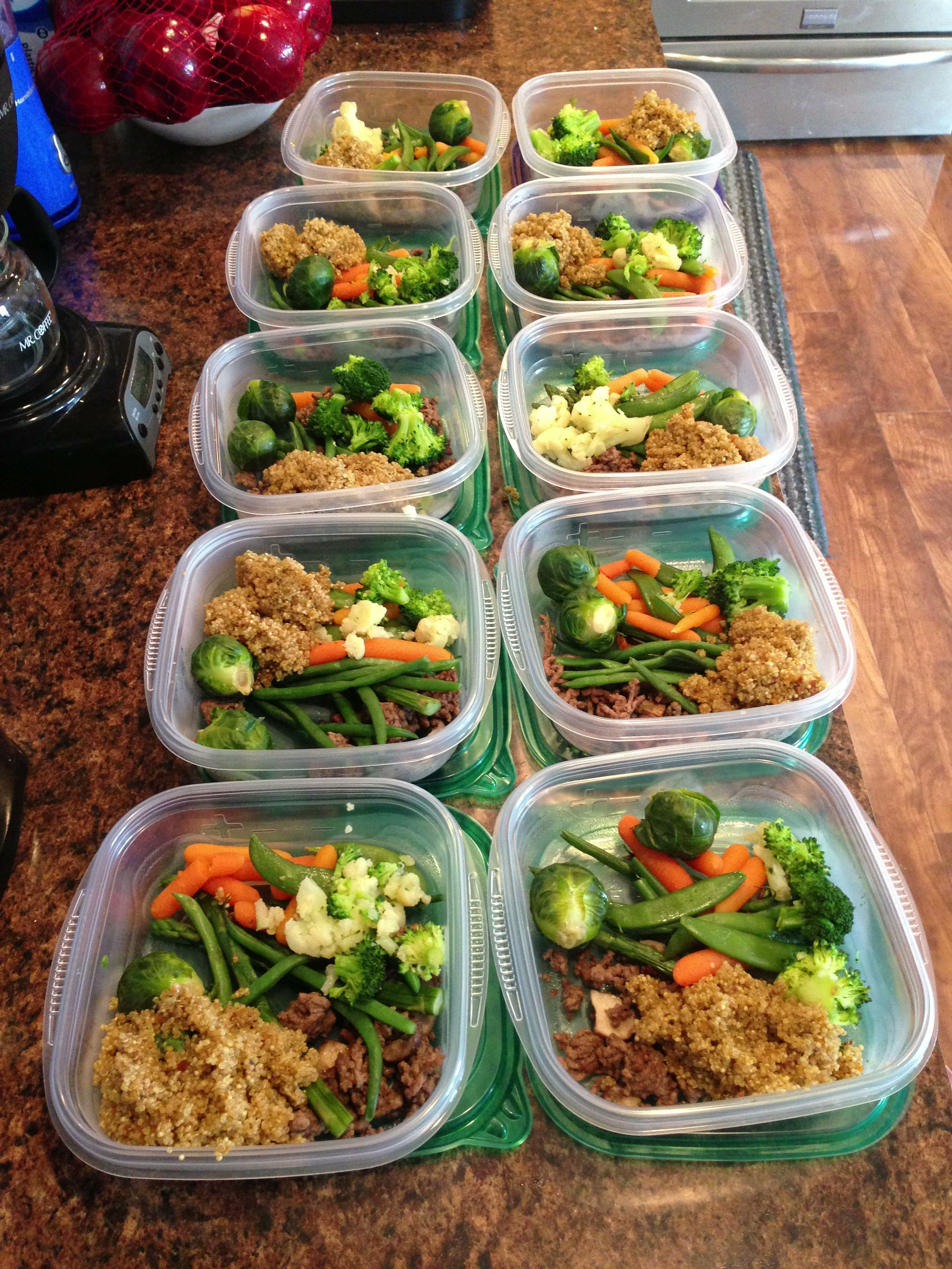 Clean Eating Meal Prep Gluten Free Quinoa Steamed Veggies Ground Beef 93 7 Cooked With Mushrooms Meal Prep Clean Eating Healthy Snacks Clean Eating Recipes