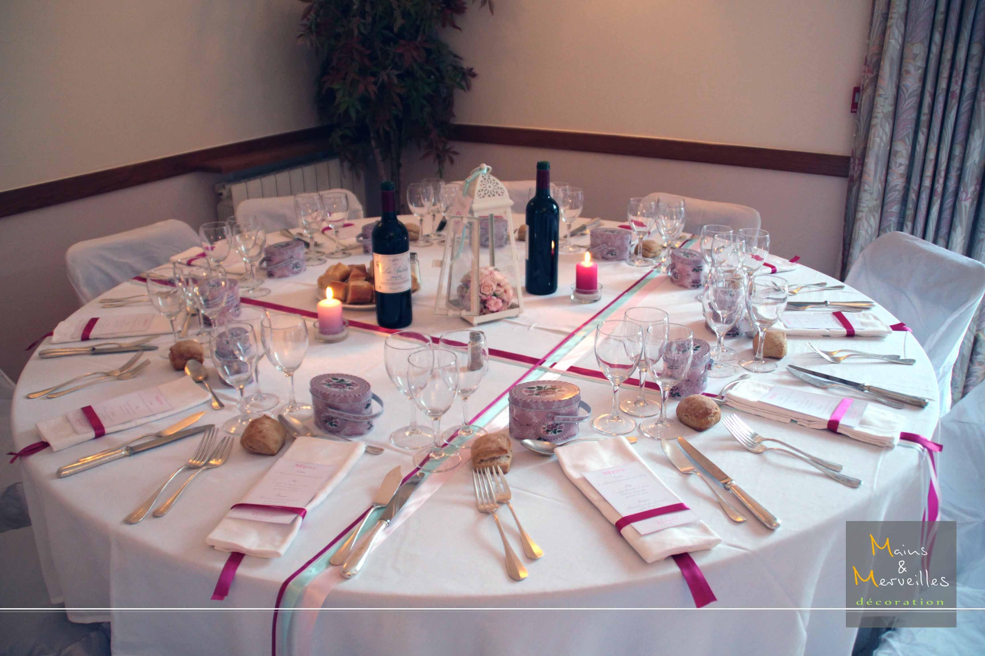 Mariage - Décoration de table - Rose, Fushia, Vert eau http://www ...