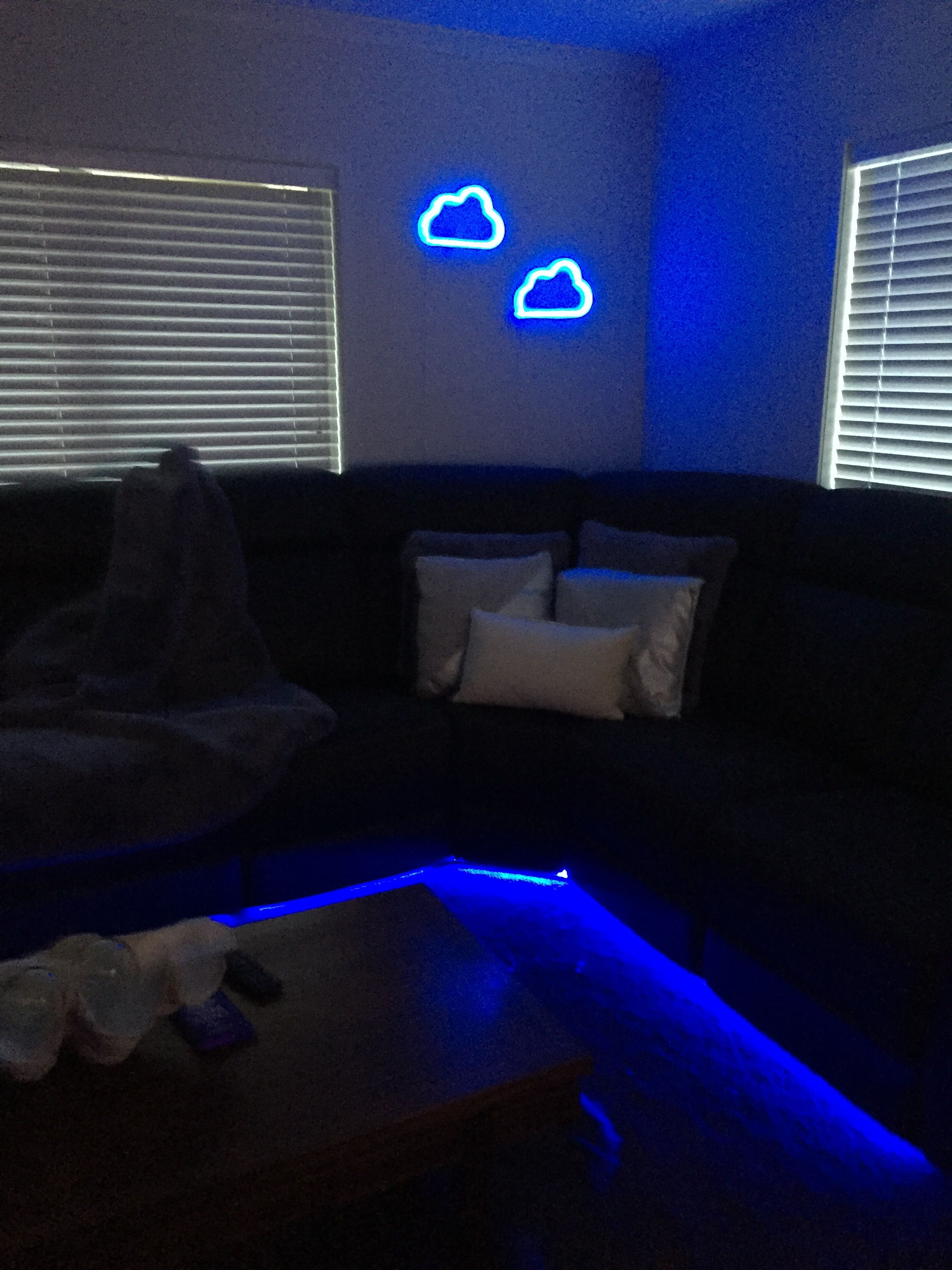 Terrific Blue Neon Cloud Lounge Setup Recliner Couch With Led Gamerscity Chair Design For Home Gamerscityorg