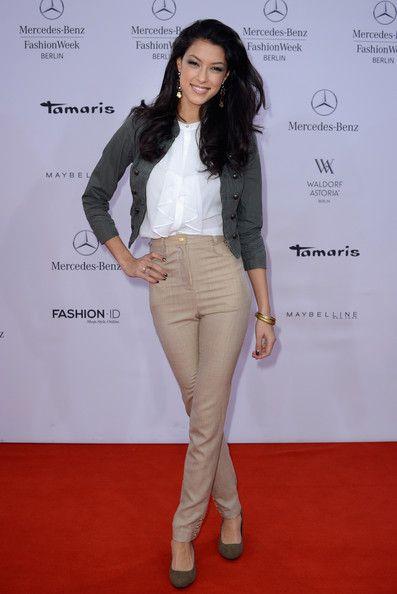 Rebecca Mir Photos Photos Arrivals At The Umasan Show Fashion Rebecca Mercedes Benz Fashion Week