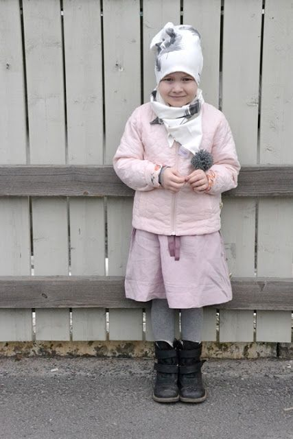 Beanie and pompom scarf from Booso! <3  http://jotaintekemista.blogspot.fi/2016/04/kevaan-kauneimmat-asusteet.html