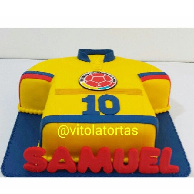 #InstaSize #futboll #futbol #cake #cakestagram #cupcakescali #cupcakes #vitolatortasypostres #seleccioncolombia #tortasdecumpleaños #tortaspersonalizadas #tortastematicas #lasmejorestortasdecali