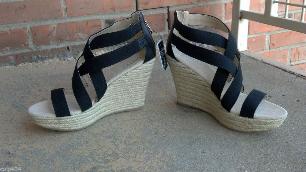 NIB DKNY Krista Espadrille Wedge Leather and linen Size 9 1/2