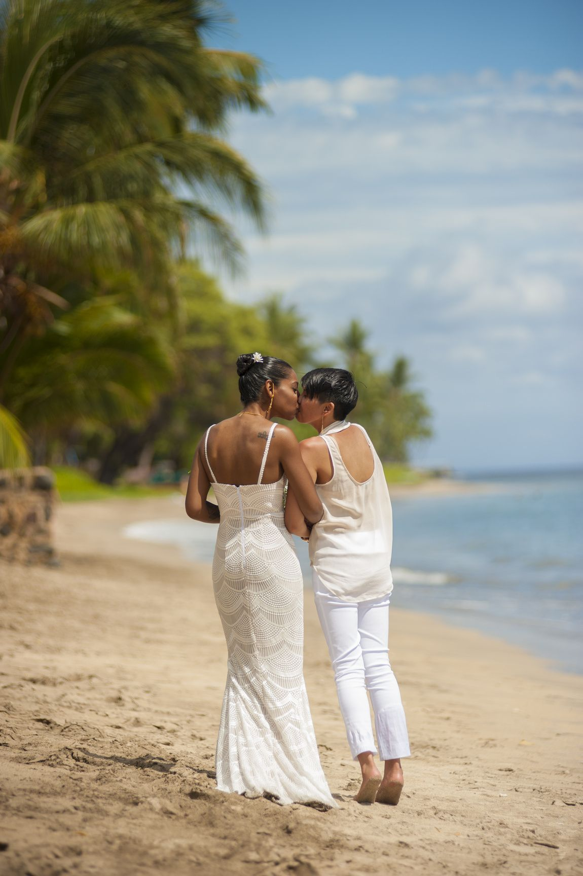 Maui Wedding Walk Along The Beach After A Ceremony Joedalessandro