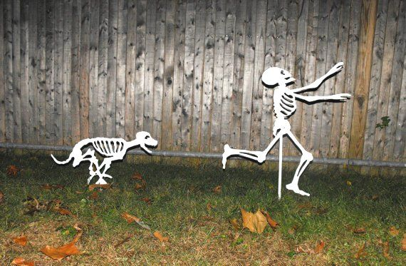 Halloween Yard Skeletons decorating design 5 Inspiration for 2012 - homemade halloween decoration ideas for yard