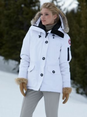 Have Canada Goose in white and LOVE IT! slim fit 1e162c598071