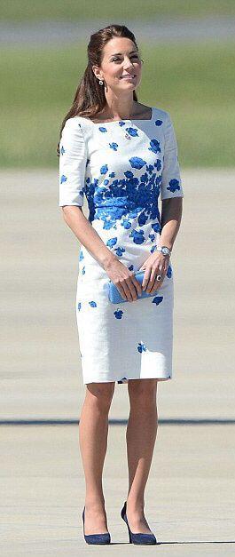 Vestido tubinho branco com azul