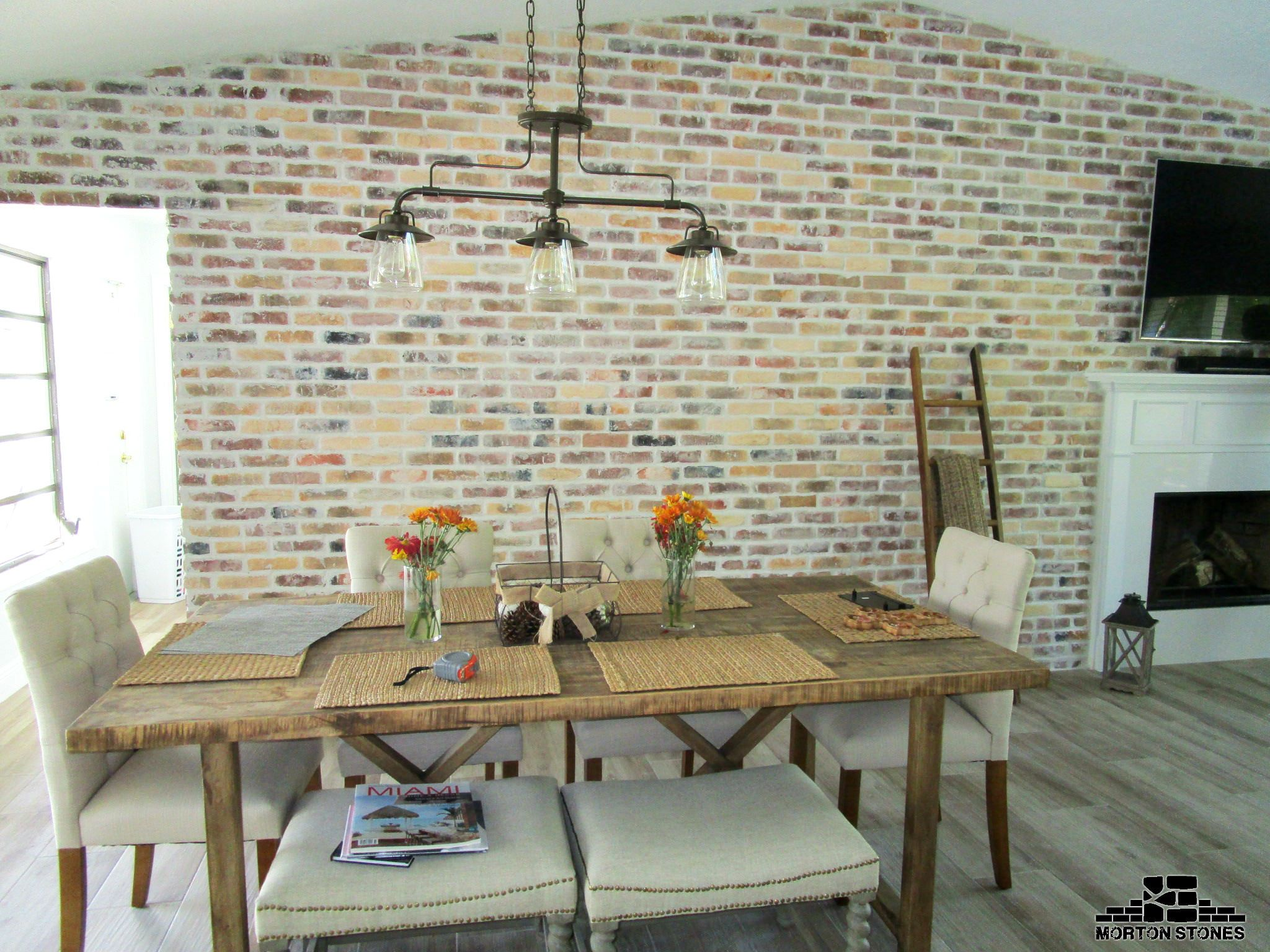 This An Example Of The Perfect French Country Dining Room With A Brick Accent Wall Mortonstones Tiles Rustic Thinbrick Home Decor Redbrick