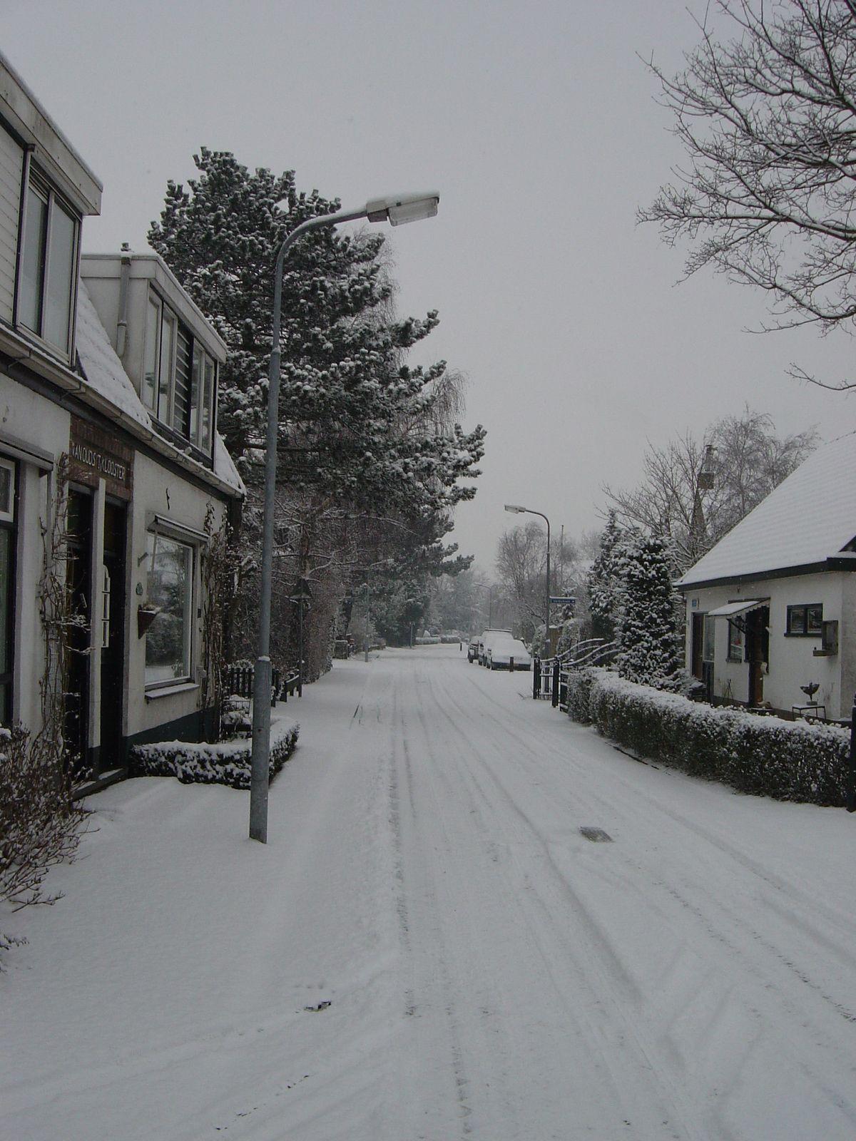 snow buurtweg