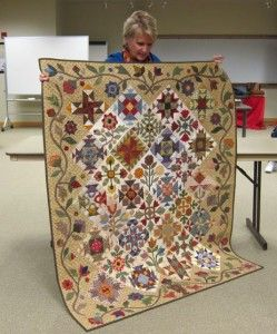 Donna showing her beautiful quilt from a Lori Smith pattern