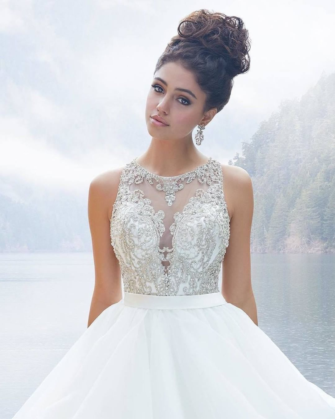 Looking for a dreamy gown? This stunner might be the