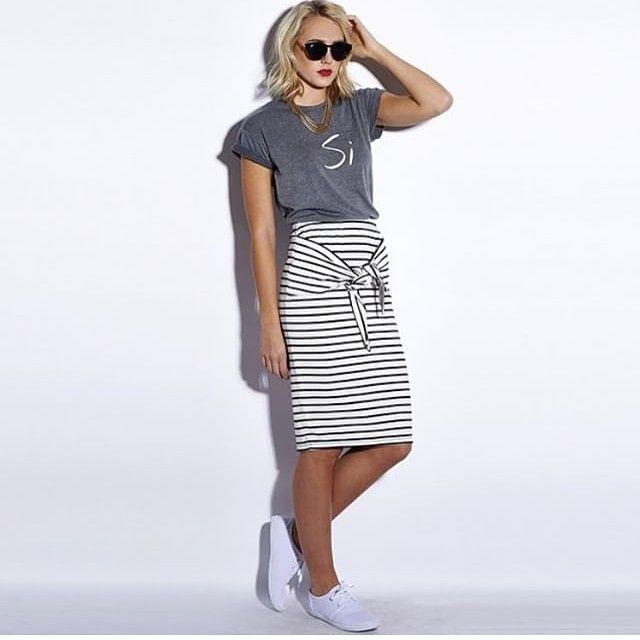 #modestishottest #modestyrocks #modestfashion #skirt #stripes #grey #black #white