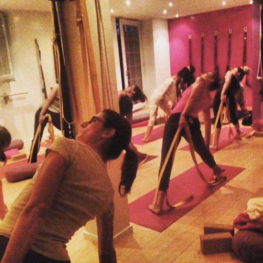 Trikonasana | Yoga principiantes, Yoga y Yoga avanzado