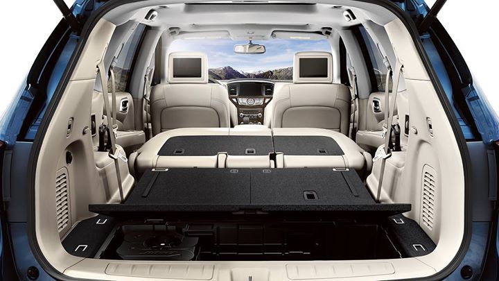Pathfinder Makes Quick Work Of Loading Cargo With Folding 2nd And 3rd Row Seats That Create A Virtually F Nissan Pathfinder Nissan Pathfinder Platinum Nissan