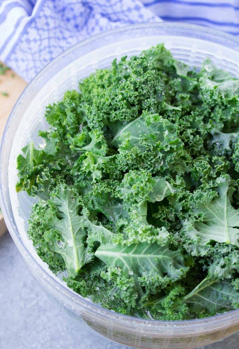 How to Wash and Store Kale (for smoothies and salads) in