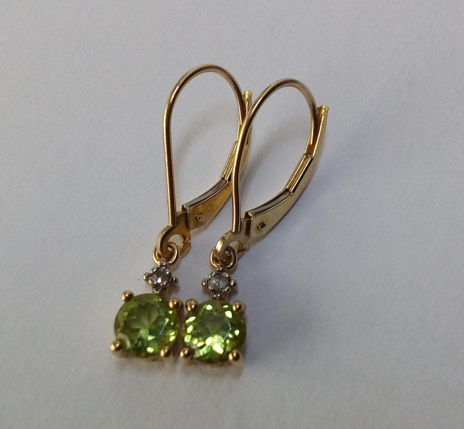 10k White Gold 5mm Round Genuine Pink Topaz Lever-back Earrings