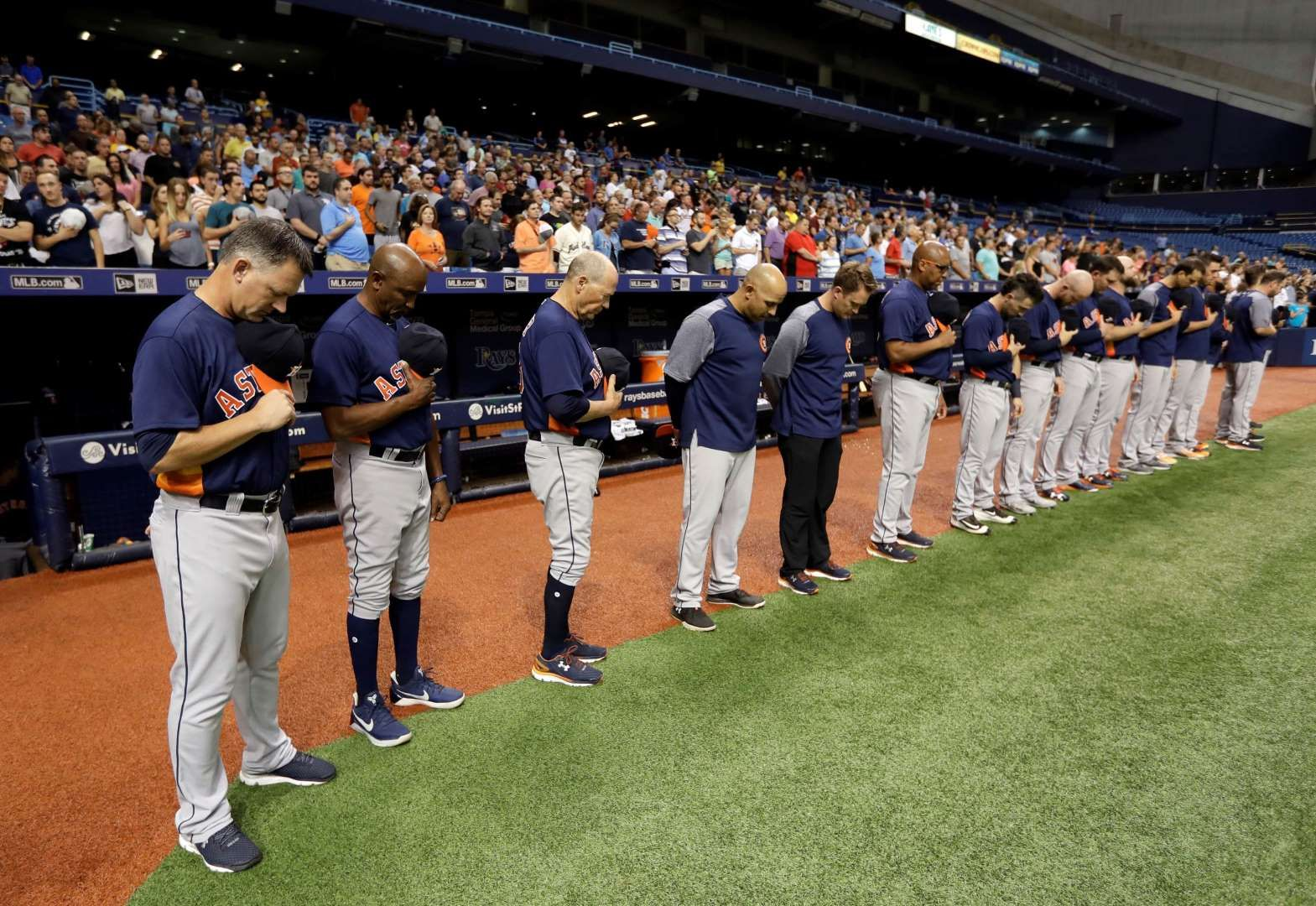 I Love This No One Is Kneeling Or Showing Disrespect For The America Anthem Baseball Players Know Who It S The Fans T Harvey Baseball Players Texas Rangers